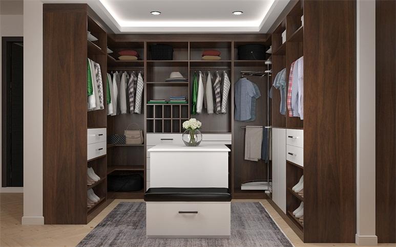 Master bedroom his-2