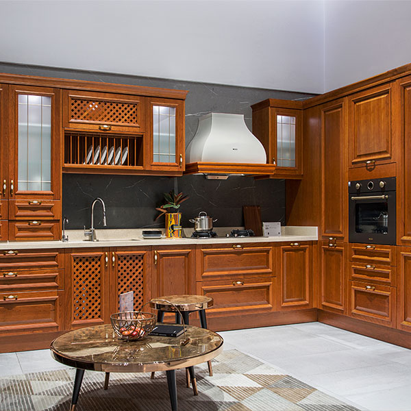 Traditional-Neutral-Shades-Solid-Wood-Kitchen-PLCC19132