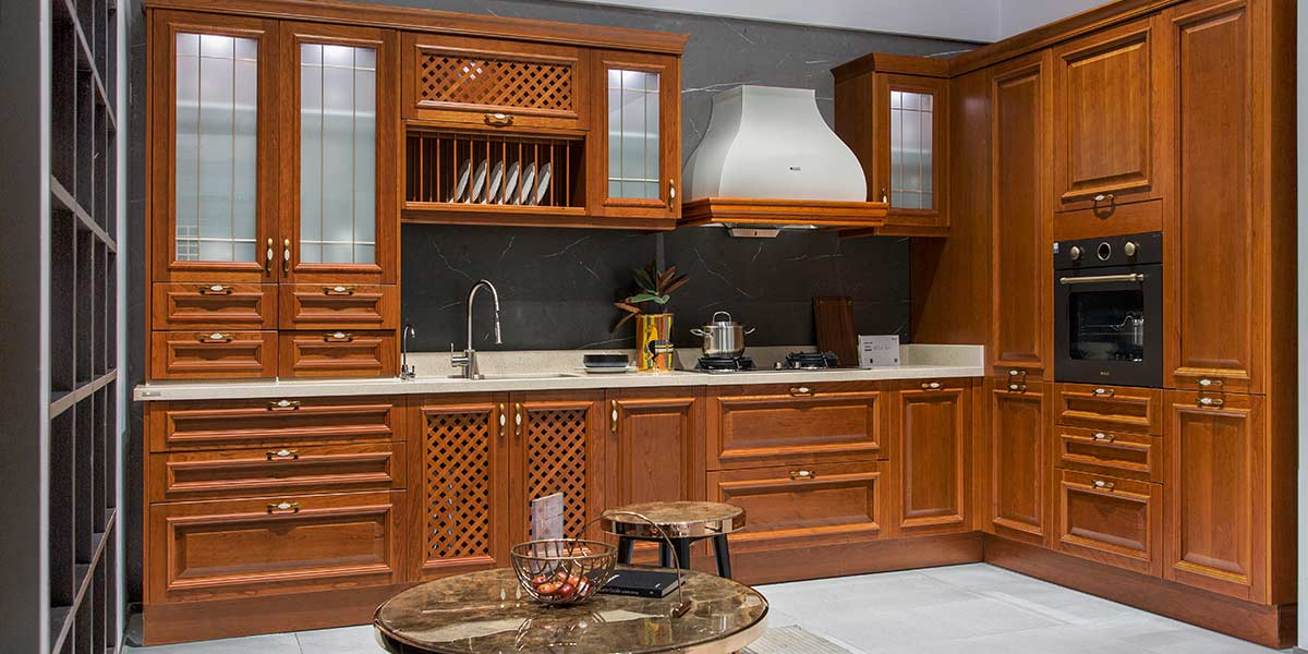 Traditional-Neutral-Shades-Solid-Wood-Kitchen-PLCC19132(2)
