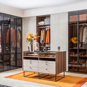 Modern-Fashion-Wood-Grain-With-Glass-Walk-In-Closet-PLYJ19010-083