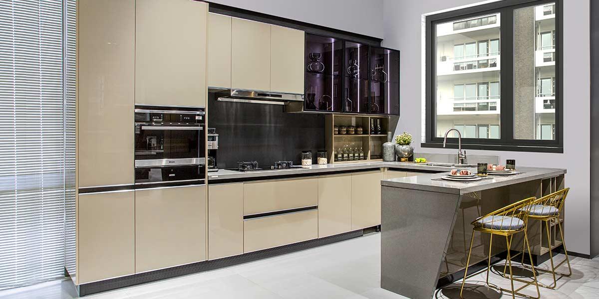 Modern-Flat-Laminate-Beige-U-Shape-Kitchen-PLCC19131(2)
